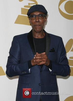 Arsenio Hall Sues Sinead O'connor For Defamation