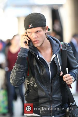 "Avicii Cuts Down Drinking After ""Searing"" Abdominal Pain And Hospitalisation"