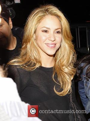 Shakira - Shakira arrives at LAX airport