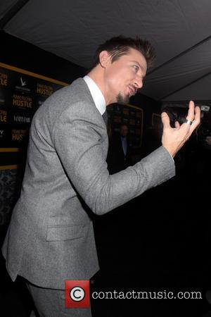 Jeremy Renner - The cast of American Hustle battled the first Snow in NYC to walk the black carpet but...