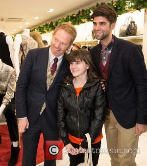 Jesse Tyler Ferguson Pledges $10,000 To Gay Marriage Campaign
