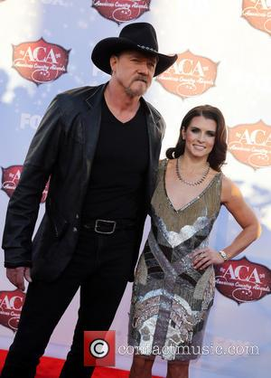 Trace Adkins and Danica Patrick - 2013 American Country Awards at Mandalay Bay Resort and Casino - Arrivals - Las...