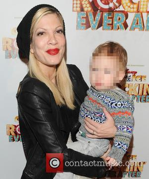 Amidst Cheating Rumors, Tori Spelling Spotted Out Without Her Wedding Ring