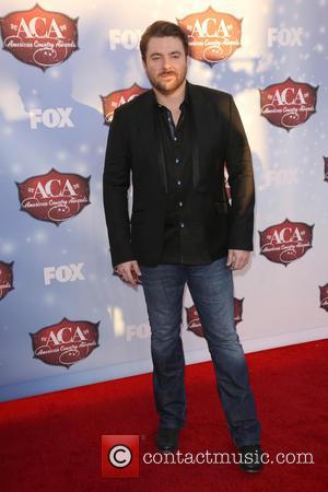 Chris Young - American Country Awards 2013 - Arrivals at Mandalay Bay Resort and Casino - Las Vegas, California, United...