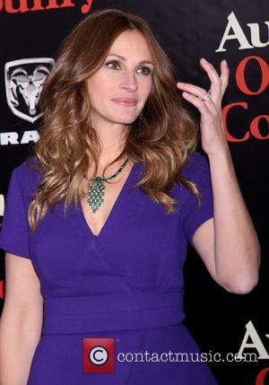 Julia Roberts and diamond Wilfredo Rosado necklace