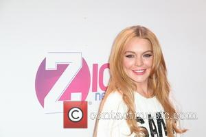 Lindsay Lohan To Pen Tell-all Book