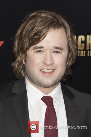 Haley Joel Osment - New York premiere of 'Anchorman 2: The Legend Continues' at Beacon Theatre - Arrivals - New...