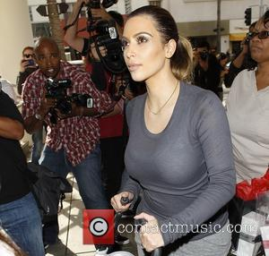 Kim Kardashian - Kim Kardashian Christmas shopping in Beverly Hills...
