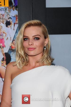 Margot Robbie Had To Confront Nudity Fears To Play Dicaprio's Wife