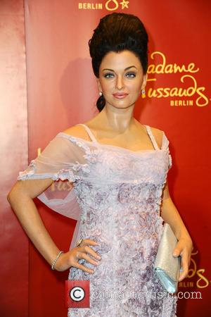 Aishwarya Rai - Unveiling of five wax figures of the greatest stars of Bollywood at the Embassy of India -...