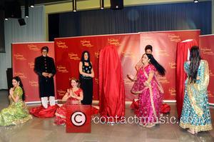 Amitabh Bachchan, Kareena Kapoor and Rang De by Zaraa Vi - Unveiling of five wax figures of the greatest stars...