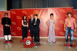 Amitabh Bachchan, Kareena Kapoor, S.E. Vijay Gokhale, Shah Rukh Khan, Aishwarya Rai and Hrithik Roshan - Unveiling of five wax...
