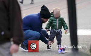 Mike Comrie and Luca - Hilary Duff, Mike Comrie and their son Luca out shopping together at The Grove -...