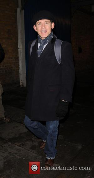 Lee Evans - Lee Evans leaving the Wyndham's Theatre after playing on stage in 'Barking in Essex' - London, United...
