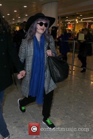 "Sharon Osbourne Comments on Kelly's Broke Engagement: ""Let The Auditions Begin!"""