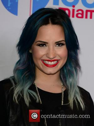 Demi Lovato - Y100's Jingle Ball 2013 Presented by Jam...