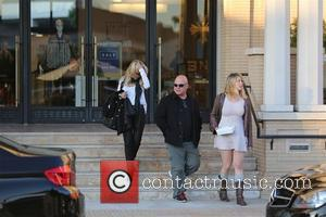 Michael Chiklis - Michael Chiklis and family leave Barney's new York in Beverly Hills - Los Angeles, California, United States...