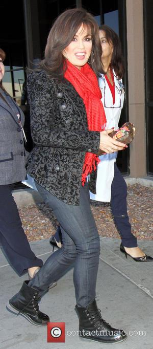 Marie Osmond - Marie Osmond visits pediatric patients by donating