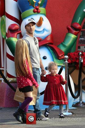 Breckin Meyer - Breckin Meyer visits Santas home with his Daughters at The Grove in Los Angeles - Los Angeles,...