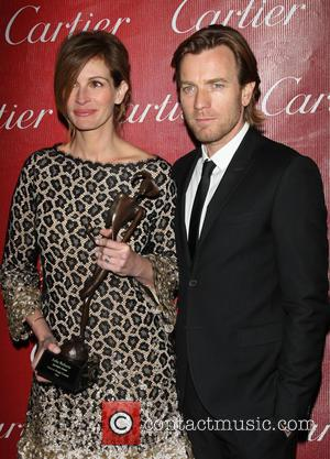 Julia Roberts and Ewan McGregor - 25th Annual Palm Springs International Film Festival Awards Gala - Backastage - Palm Springs,...