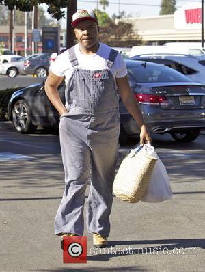 David Alan Grier - David Alan Grier leaves a Farmers Market in Studio City wearing Farmer's overalls - Studio City,...