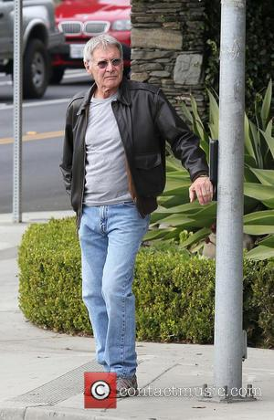 Harrison Ford - Harrison Ford walking alone in Brentwood - Brentwood, California, United States - Tuesday 7th January 2014