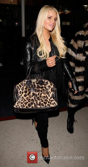 Jessica Simpson - Jessica Simpson arrives at LAX airport - Los Angeles, California, United States - Wednesday 8th January 2014