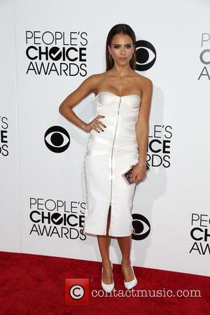 Jessica Alba - The 40th Annual People's Choice Awards at Nokia Theatre L.A. Live - Arrivals - Los Angeles, California,...