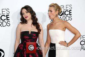 Kat Dennings and Beth Behrs - The 40th Annual People's Choice Awards at Nokia Theatre L.A. Live - Arrivals -...