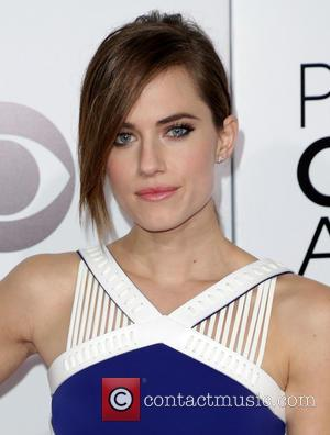 Allison Williams - The 40th Annual People's Choice Awards held at Nokia .LA. Live - Arrivals - Los Angeles, California,...