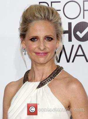 Sarah Michelle Gellar - The 40th Annual People's Choice Awards held at Nokia .LA. Live - Arrivals - Los Angeles,...