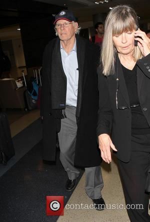Bruce Dern - Bruce Dern arriving at Los Angeles International Airport - Los Angeles, California, United States - Friday 10th...