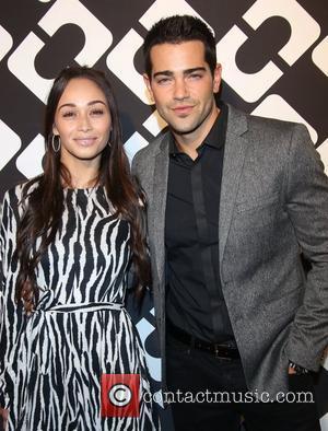 Cara Santana and Jesse Metcalfe (r)