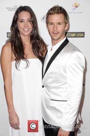 Sara Canning and Ryan Kwanten