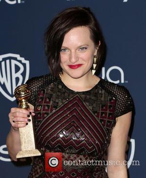 "Elisabeth Moss: ""Oh S**t"" I've Won A Golden Globe Award! [Video]"