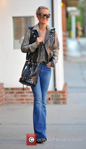 Laeticia Hallyday - Johnny Hallyday and Laeticia Hallyday shopping with daughters Jade and Joy - Brentwood, California, United States -...