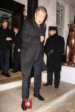 Mario Testino - Kate Moss and friends leave 34 restaurant after celebrating her 40th birthday - London, United Kingdom -...
