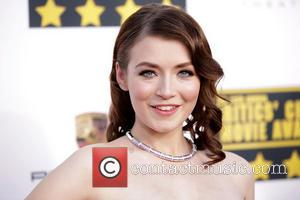 Sarah Bolger - The 19th Annual Critics' Choice Awards at The Barker Hangar - Arrivals - Los Angeles, California, United...