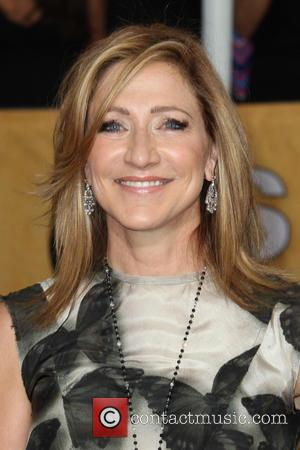 Edie Falco Pictures Photo Gallery Page 2 Contactmusic