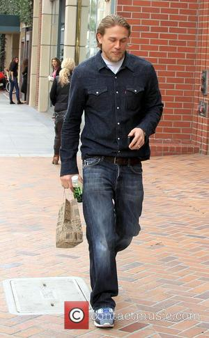 Charlie Hunnam - 'Sons of Anarchy' star Charlie Hunnam shopping in Beverly Hills - Los Angeles, California, United States -...