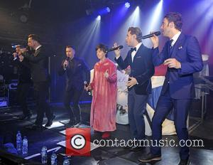 The Overtones and Julie Hesmondhalgh