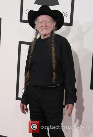 Willie Nelson Not 'Deathly Ill'
