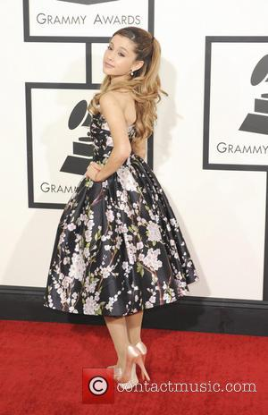 Ariana Grande Slips And Breaks Three Toes