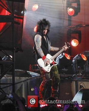 Motley Crue - Motley Crue perform on Jimmy Kimmel Live