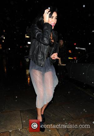 Jasmine Waltz - Celebrity Big Brother pals Luisa Zissman and Jasmine Waltz on a girls night out and looking a...