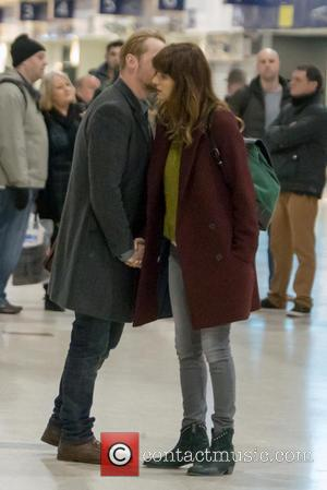 Simon Pegg and Lake Bell - Simon Pegg and Lake Bell film scenes for their upcoming rom-com 'Man Up' on...
