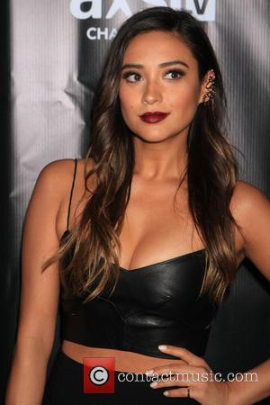 Shay Mitchell - DirectTV's 'Super Saturday Night' Super Bowl party held at Pier 40 - Arrivals - New York City,...