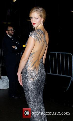 Erin Heatherton - 2014 amfAR New York Gala at Cipriani Wall Street - Outside Arrivals - New York City, New...