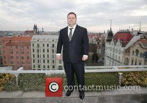 Paul Potts - Paul Potts attends a press conference during his visit to Prague - Prague, Czech Republic - Friday...