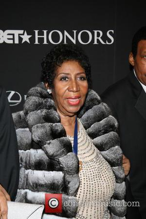 Aretha Franklin Lashes Out At Canadian Fast Food Join For Showing Her No Respect